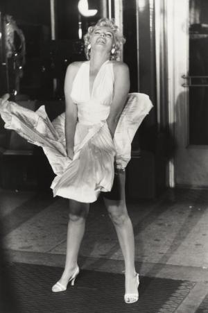 Marilyn-Monroe-marilyn-monroe-23439154-465-700_convert_20111022174302.jpg