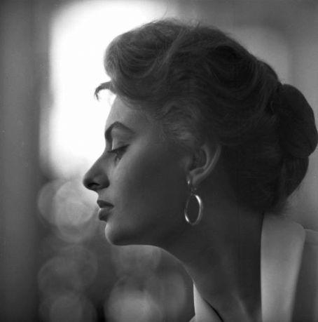 Sophia-Loren38.jpg
