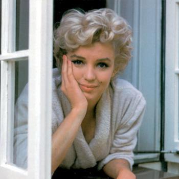 Ya-Gotta-Love-Marilyn-marilyn-monroe-20368275-500-500_convert_20111022173325.jpg