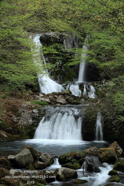 こもれびの滝2
