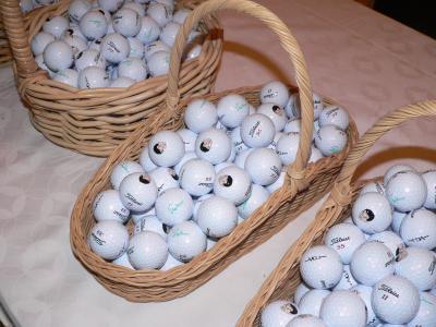 お別れの会で参会者に配られた記念のゴルフボール