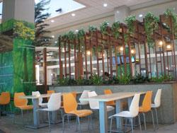 空港内のレストラン
