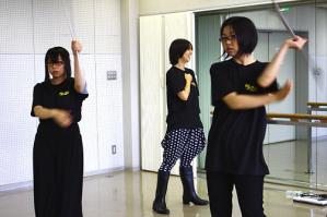 現世:左から白)梅ちゃん 赤)涼子ちゃん
