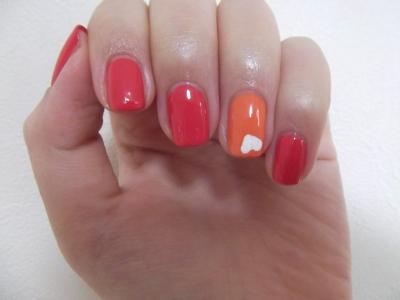 コーラルレッドとオレンジ。