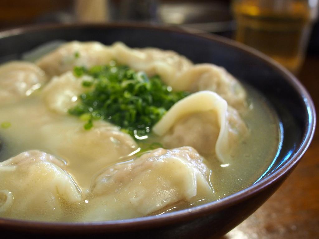 ■ 上海わんたん 食彩厨房