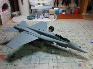 タミヤ 1/72 F/A-18 ホーネット 製作 その1