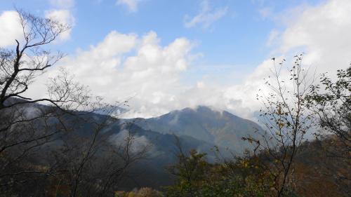 1412林道からの石鎚山_convert_20111028183931