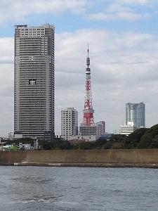 s-②水上バスからの東京タワーと六本木ヒルズ