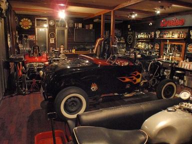 フォードエンジン組直しの為、室内へ (8)