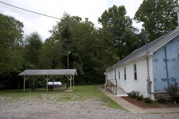 blog 140W Elfort to South Webster, Church in repair, OH_DSC8487-8.22.09.(2).jpg